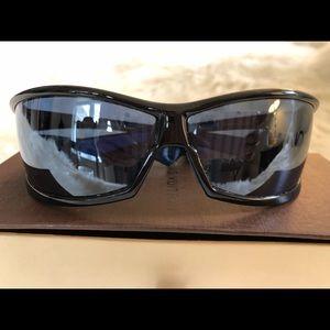45b65e8b9d5 Louis Vuitton Accessories - Louis Vuitton Special Edition Cup Sunglasses